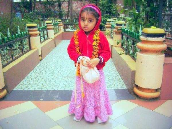 nrisimhadev-and-little-girl-1